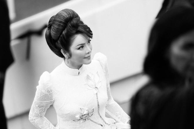 Lý Nhã Kỳ gây ấn tượng với tà áo dài Việt, hội ngộ Naomi Campbell tại LHP Cannes 2018 - Ảnh 10.
