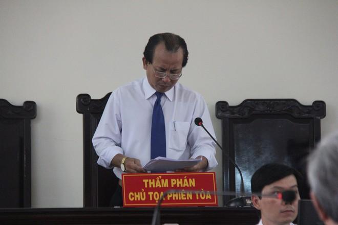 Chủ tọa phiên tòa xét xử phúc thẩm Nguyễn Khắc Thủy bị tạm đình chỉ công tác để điều tra - ảnh 1