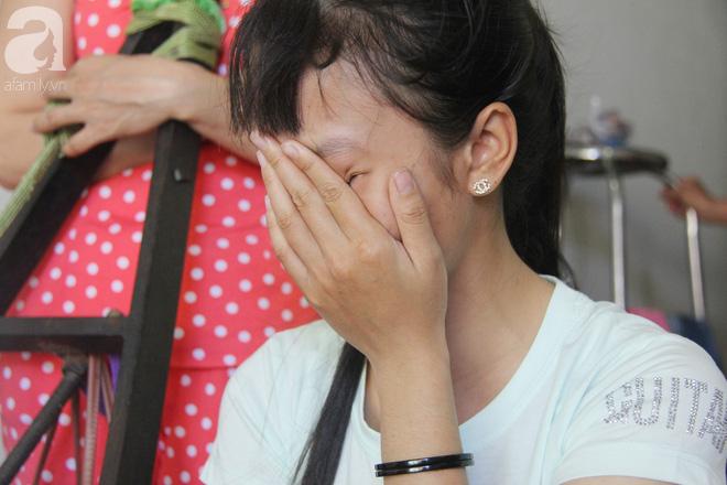 Bố bị điện giật cháy cả người không có tiền chữa, bé trai 4 tuổi sợ hãi nép vào lòng mẹ vì không nhận ra - Ảnh 10.