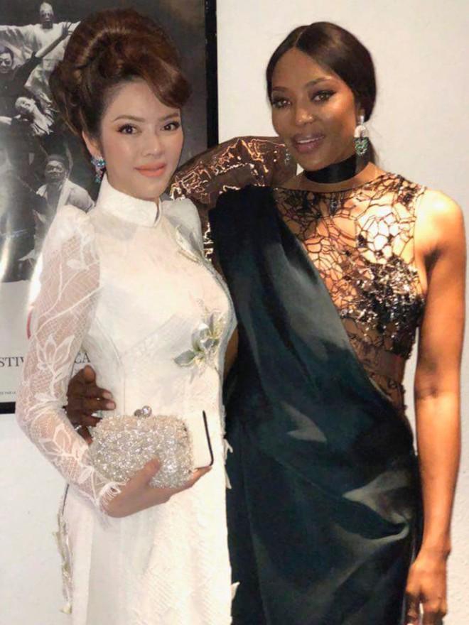 Lý Nhã Kỳ gây ấn tượng với tà áo dài Việt, hội ngộ Naomi Campbell tại LHP Cannes 2018 - Ảnh 11.