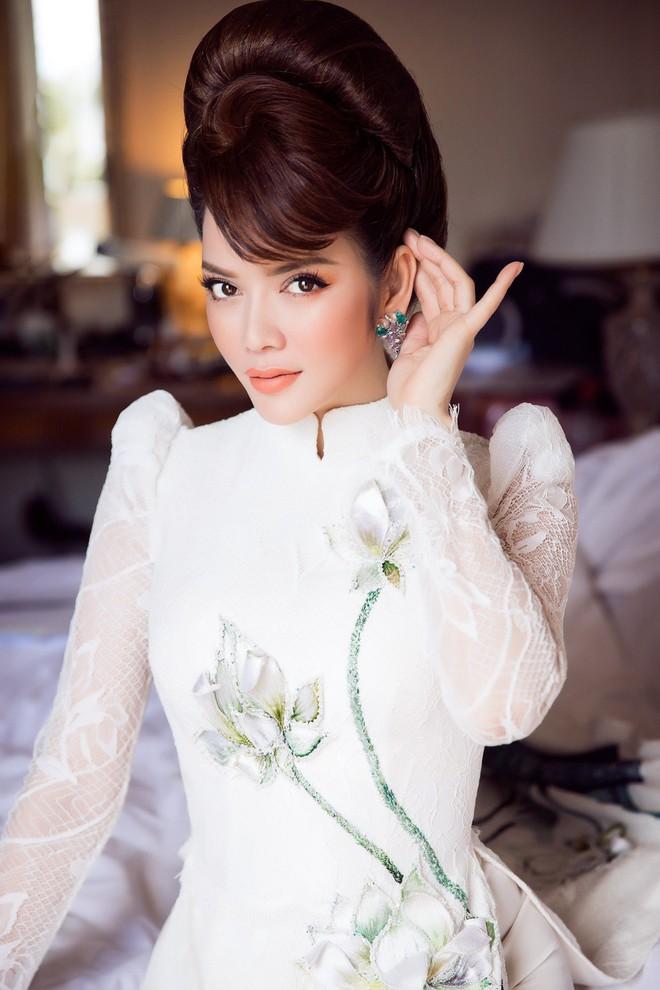 Lý Nhã Kỳ gây ấn tượng với tà áo dài Việt, hội ngộ Naomi Campbell tại LHP Cannes 2018 - Ảnh 5.