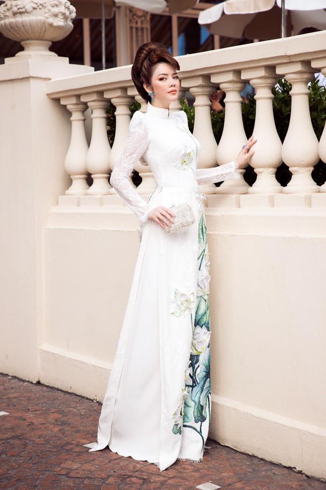 Lý Nhã Kỳ gây ấn tượng với tà áo dài Việt, hội ngộ Naomi Campbell tại LHP Cannes 2018 - Ảnh 2.