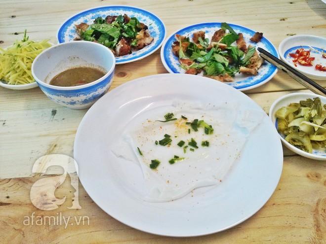 3 món đã ăn là bát đĩa phải chất thành chồng cao chót vót ở Sài Gòn - Ảnh 2.