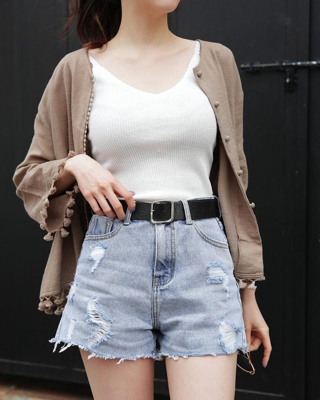 5 kiểu váy áo vừa mát vừa xinh giúp các nàng giấu nhẹm bắp tay to, tha hồ tung tăng bất chấp trời nắng nóng - Ảnh 19.