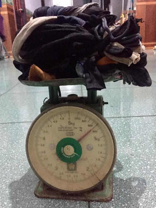 1,4kg cua thì dây nặng 7 lạng, đây đích thị là giao dịch mua dây tặng cua hời nhất thế giới rồi - Ảnh 1.