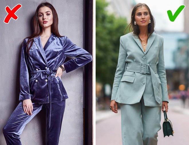 10 phong cách ăn mặc mà nhiều người cứ tưởng là mốt nhưng thực ra đang trên đà lỗi thời cả rồi - Ảnh 4.
