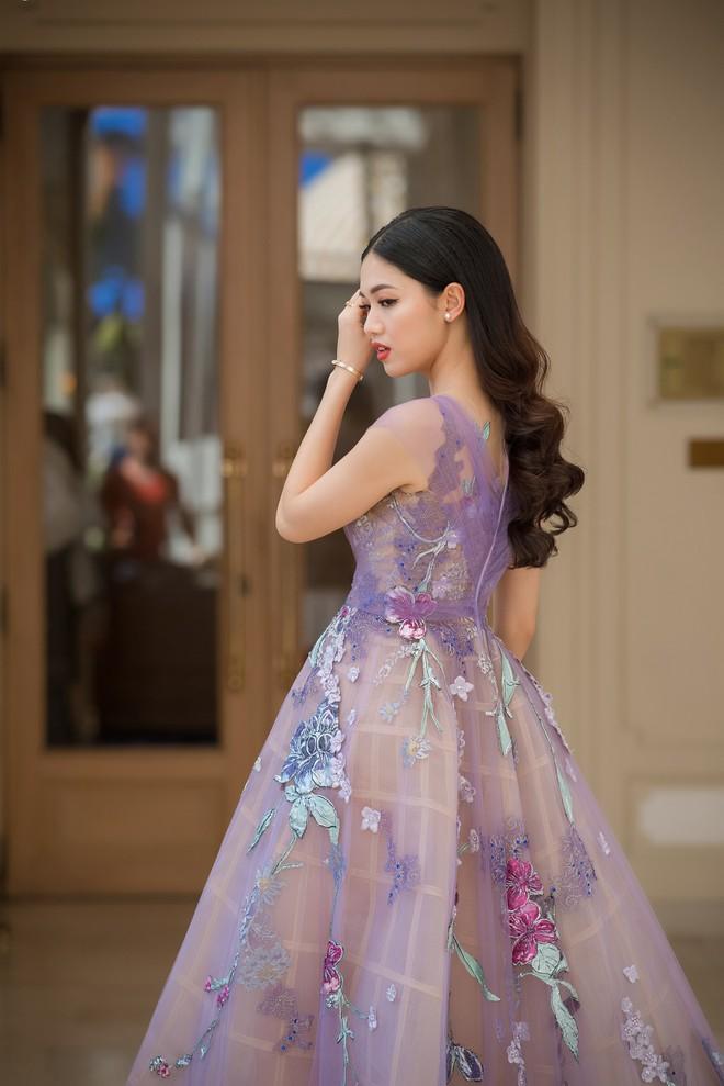 Nhã Phương đọ sắc cùng HH Đỗ Mỹ Linh và Lý Nhã Kỳ trong sự kiện thời trang tại Cannes - Ảnh 11.