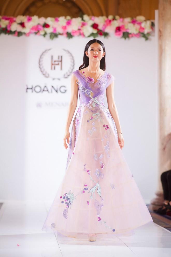 Nhã Phương đọ sắc cùng HH Đỗ Mỹ Linh và Lý Nhã Kỳ trong sự kiện thời trang tại Cannes - Ảnh 16.