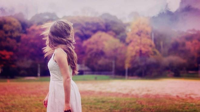 Tình yêu - thứ bùa chú biến người đàn bà thông minh đến mấy cũng trở nên dại khờ - Ảnh 1.