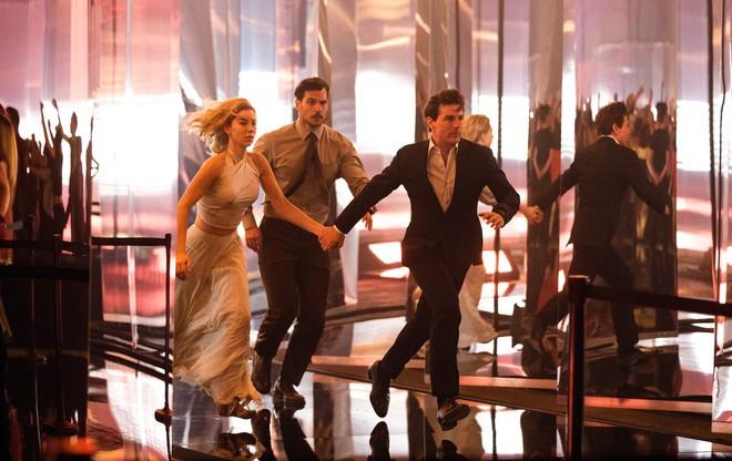 Tom Cruise gây thót tim với loạt cảnh quay không thể tưởng tượng nổi trong trailer của Nhiệm vụ bất khả thi: Sụp đổ - Ảnh 4.