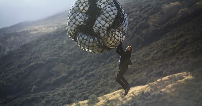 Tom Cruise gây thót tim với loạt cảnh quay không thể tưởng tượng nổi trong trailer của Nhiệm vụ bất khả thi: Sụp đổ - Ảnh 5.