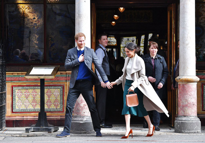 """8 lần nàng dâu """"nổi loạn"""" Meghan Markle phá vỡ các luật lệ Hoàng gia - Ảnh 5."""