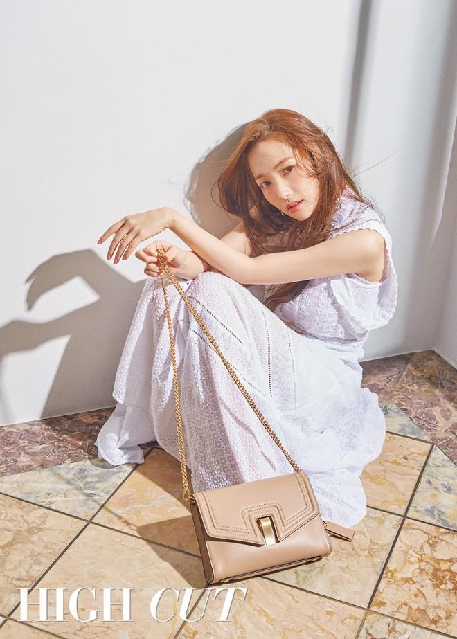 Nữ hoàng dao kéo Park Min Young khoe trọn vẹn nhan sắc đỉnh cao trên tạp chí: Đẹp vừa vừa thôi! - Ảnh 2.