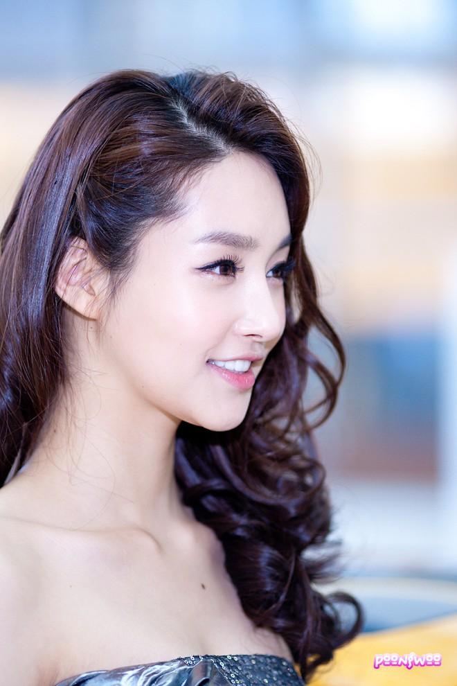 """Những ca phẫu thuật thành công của mỹ nhân Hàn: Đúng là không có gì là không thể, một bước """"vịt hóa thiên nga"""", lọt top gương mặt đẹp nhất thế giới - Ảnh 30."""