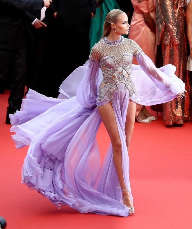 Thảm đỏ Cannes những ngày qua không thiếu công chúa nhưng phải tới hôm nay, nữ hoàng mới thực sự xuất hiện - Ảnh 5.