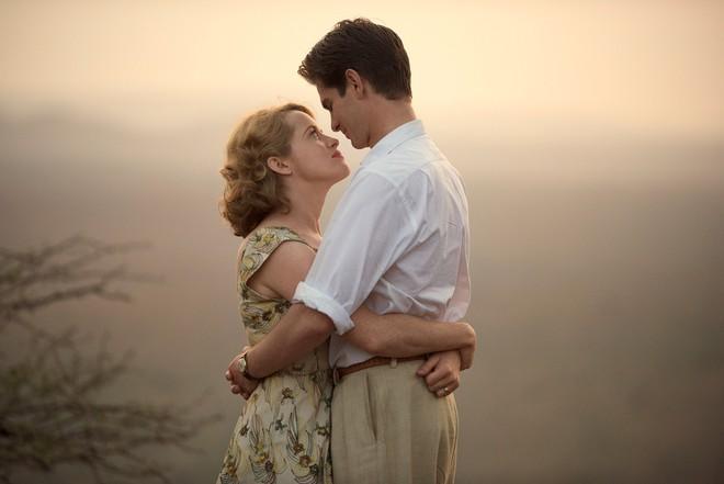 """Điểm tên 5 câu chuyện tình yêu """"đặc biệt"""" có sức hút nhất màn ảnh thế giới - Ảnh 10."""