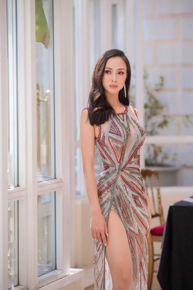 Nhã Phương đọ sắc cùng HH Đỗ Mỹ Linh và Lý Nhã Kỳ trong sự kiện thời trang tại Cannes - Ảnh 10.