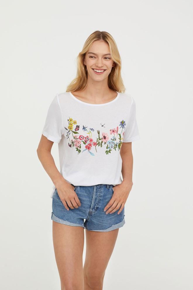 Nếu chán áo phông trắng trơn hay in chữ, Zara H&M còn đủ kiểu áo in hình nổi bật mà giá chưa quá 500 ngàn đồng - Ảnh 7.