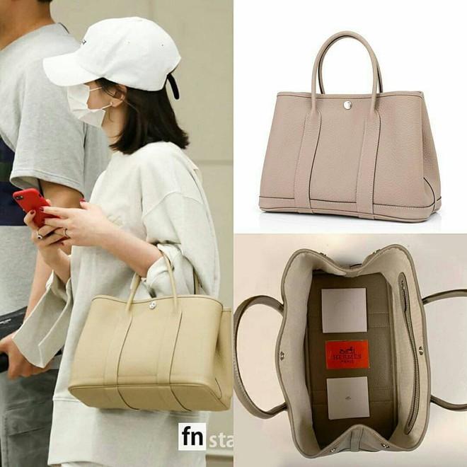 Diện đồ đơn giản ra sân bay, nhưng túi xách của Song Hye Kyo mới là thứ mà người ta chú ý nhất - Ảnh 7.