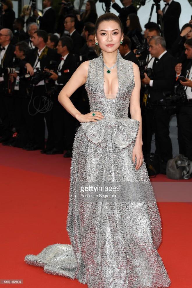 Dàn soái ca Châu Á Huỳnh Hiểu Minh, Yoo Ah In khiến loạt mỹ nhân phải lép vế khi xuất hiện trên thảm đỏ Cannes - Ảnh 16.