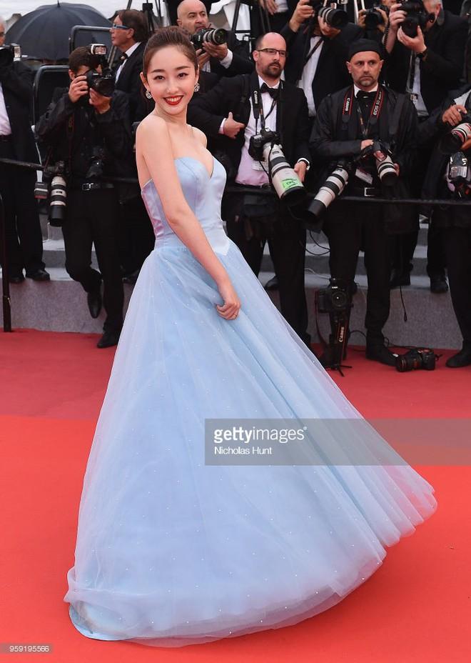 Dàn soái ca Châu Á Huỳnh Hiểu Minh, Yoo Ah In khiến loạt mỹ nhân phải lép vế khi xuất hiện trên thảm đỏ Cannes - Ảnh 13.