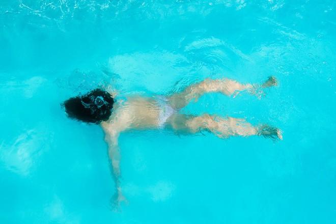 Có thể bảo vệ trẻ tránh khỏi hiện tượng đuối nước bằng cách tuân thủ 1 quy tắc sau - Ảnh 1.