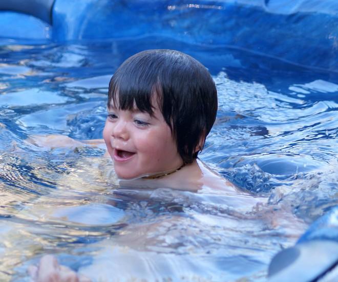 Có thể bảo vệ trẻ tránh khỏi hiện tượng đuối nước bằng cách tuân thủ 1 quy tắc sau - Ảnh 3.