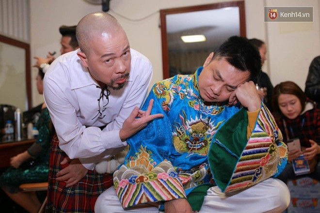 1001 dáng ngủ siêu khó đỡ của sao Việt: Cứ đặt lưng xuống là ngủ bất kể địa hình! - Ảnh 2.