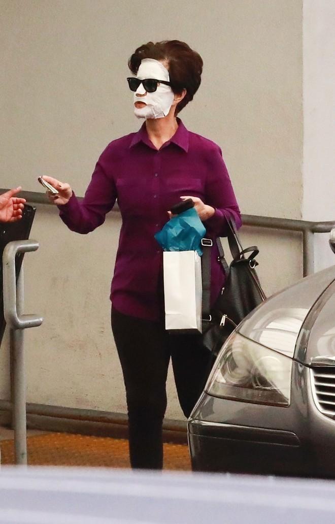 Chăm da chẳng kém Phạm Băng Băng, Katy Perry đã đạt đến cảnh giới: ra đường cũng đắp mặt nạ - Ảnh 3.