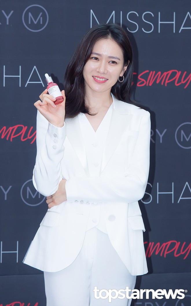 Son Ye Jin chiếm hết spotlight, nhưng mỹ nhân 2 lần đứng đầu top 100 gương mặt đẹp nhất thế giới còn xuất sắc hơn - Ảnh 4.