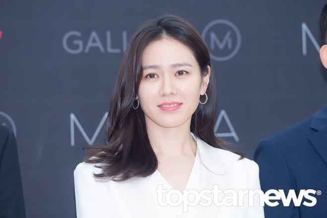 Son Ye Jin chiếm hết spotlight, nhưng mỹ nhân 2 lần đứng đầu top 100 gương mặt đẹp nhất thế giới còn xuất sắc hơn - Ảnh 8.