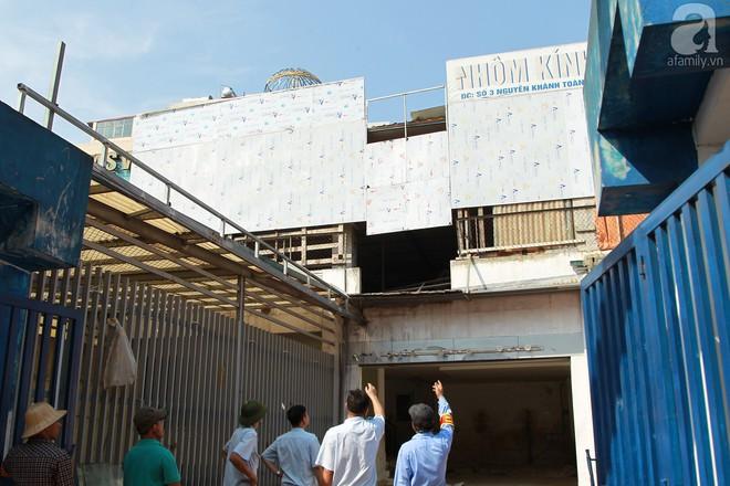 Hà Nội: Bắt đầu cưỡng chế 42 cơ sở kinh doanh trên mặt đường Nguyễn Khánh Toàn - Ảnh 13.