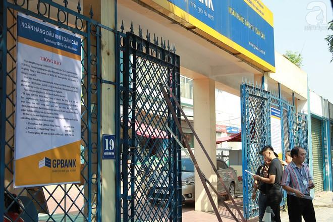 Hà Nội: Bắt đầu cưỡng chế 42 cơ sở kinh doanh trên mặt đường Nguyễn Khánh Toàn - Ảnh 10.