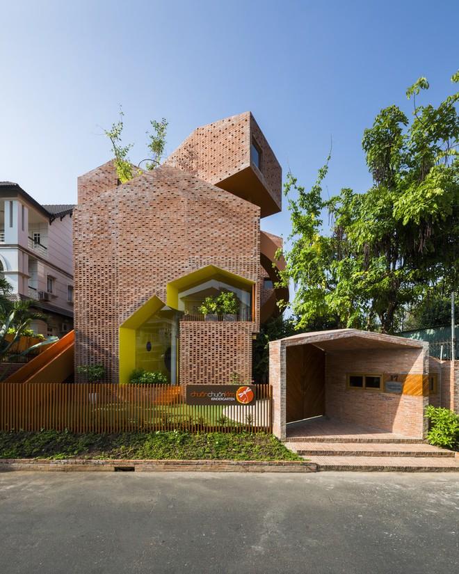 Những khối nhà với hình dáng khác nhau...