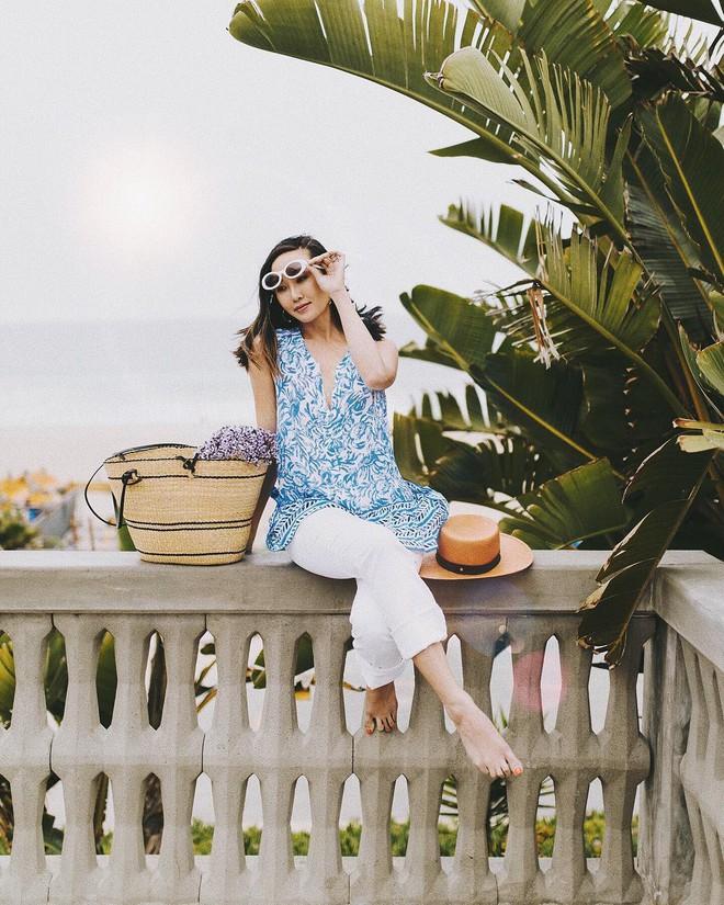 Các mẹ bầu phải học ngay cô nàng Chriselle Lim cách diện đồ thoải mái mà vẫn thời trang trong những ngày hè oi nóng - Ảnh 6.