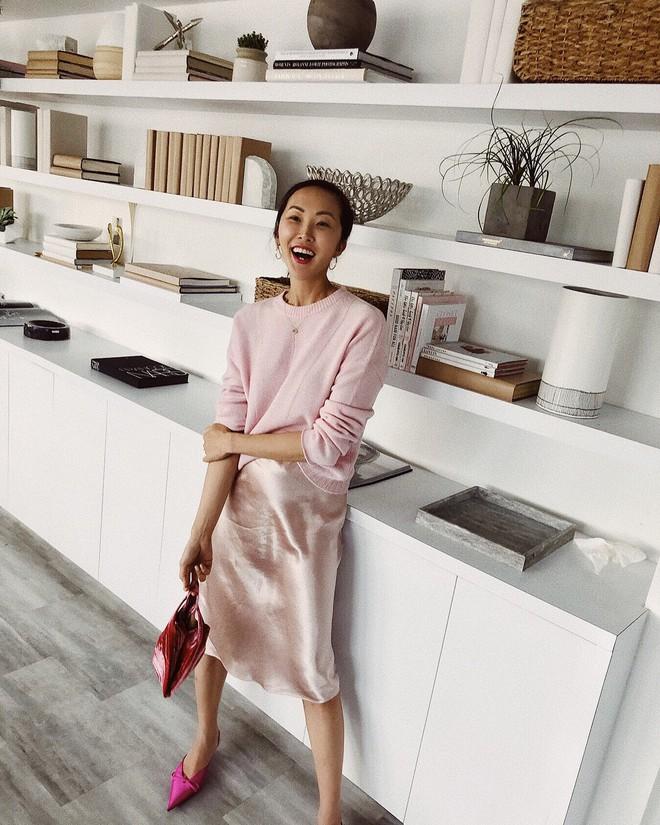 Các mẹ bầu phải học ngay cô nàng Chriselle Lim cách diện đồ thoải mái mà vẫn thời trang trong những ngày hè oi nóng - Ảnh 8.