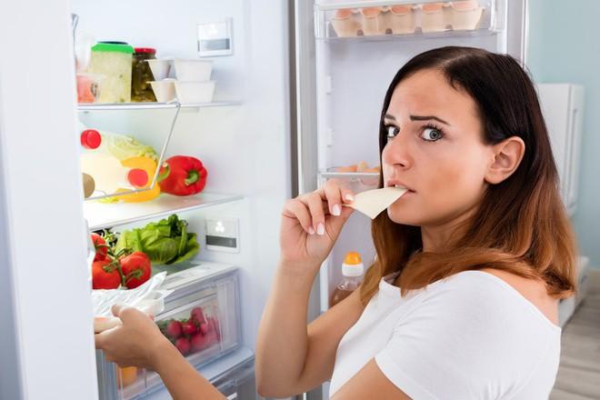 Buổi đêm nếu đói thì ăn 5 món này sẽ vừa ngủ ngon mà lại không lo tăng cân - Ảnh 2.