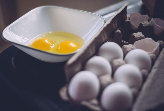 Nhiễm khuẩn Salmonella - điều cần biết về việc thu hồi hàng triệu quả trứng ở Mỹ trong tháng qua - Ảnh 2.