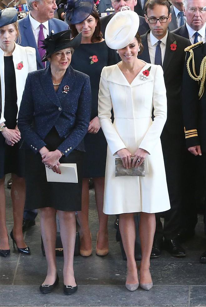 Vừa mới sinh con chưa đến 1 tháng, công nương Kate sẽ chọn trang phục thế nào dự đám cưới em chồng Hoàng gia - Ảnh 14.