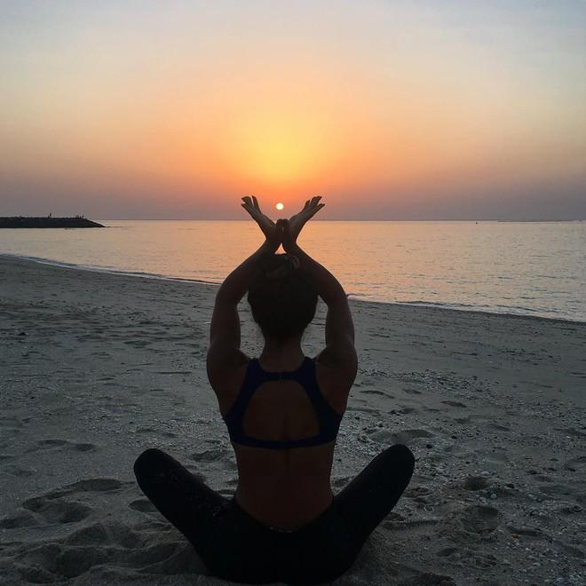 Giáo viên Yoga của David Beckham: Chỉ với 8 bước và 5 phút ngồi một chỗ làm điều này, bạn sẽ tỉnh táo và làm việc năng suất tăng gấp bội - Ảnh 4.