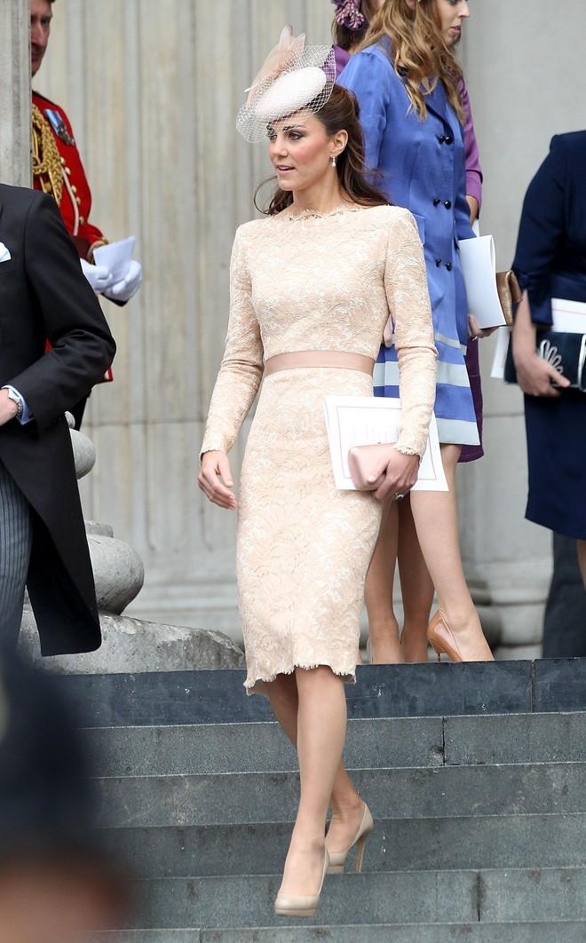 Vừa mới sinh con chưa đến 1 tháng, công nương Kate sẽ chọn trang phục thế nào dự đám cưới em chồng Hoàng gia - Ảnh 9.