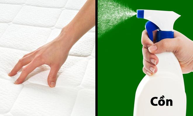 15 mẹo vặt với những vật dụng cực dễ tìm trong nhà sẽ giúp bạn hô biến mọi thứ trở nên sạch bong như mới - Ảnh 1.