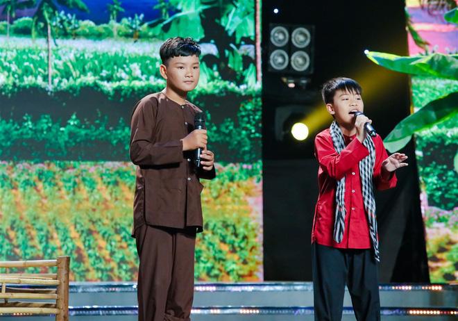 Xem thí sinh trình diễn, Ốc Thanh Vân xúc động nhớ về người mẹ hi sinh bảo vệ con trong đám cháy - Ảnh 4.