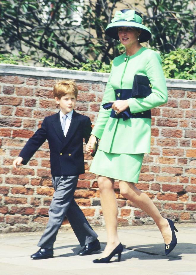 Quy tắc đội mũ tại đám cưới Hoàng gia đã được công nương Diana tuân thủ tinh tế như thế nào? - Ảnh 5.