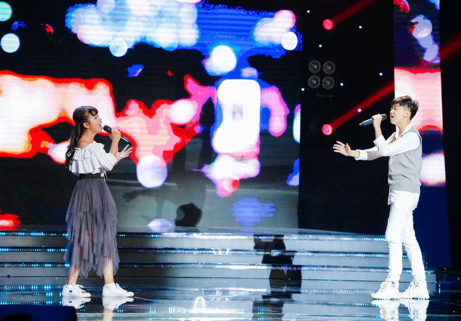 Xem thí sinh trình diễn, Ốc Thanh Vân xúc động nhớ về người mẹ hi sinh bảo vệ con trong đám cháy - Ảnh 5.