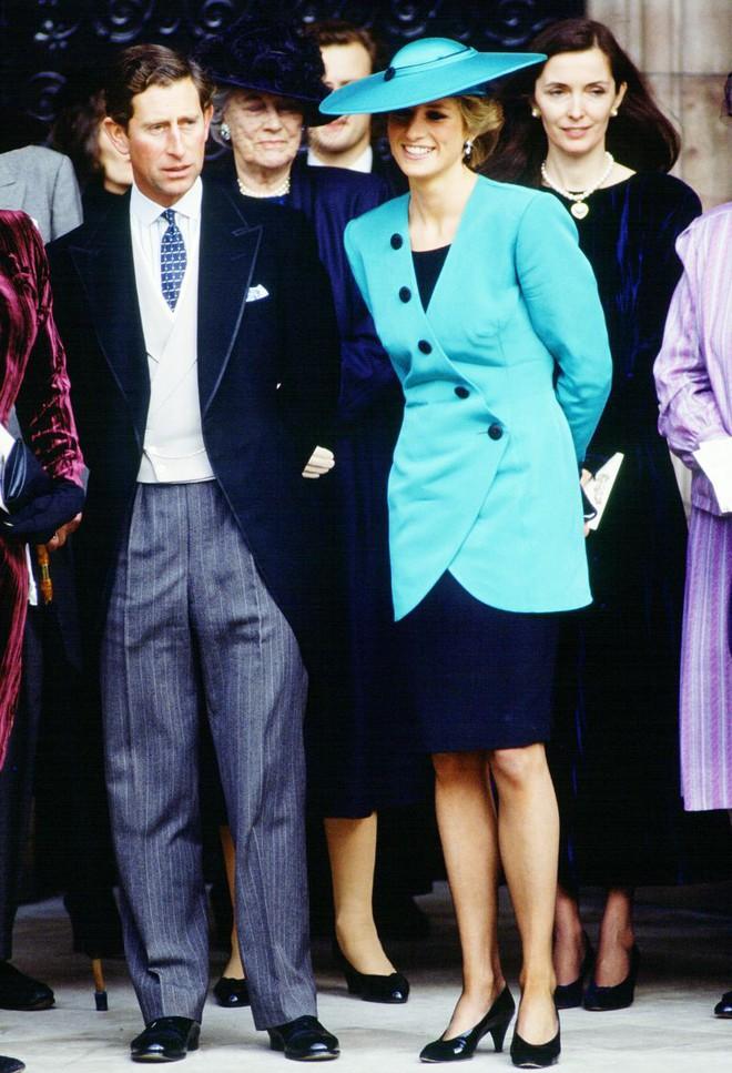 Quy tắc đội mũ tại đám cưới Hoàng gia đã được công nương Diana tuân thủ tinh tế như thế nào? - Ảnh 6.