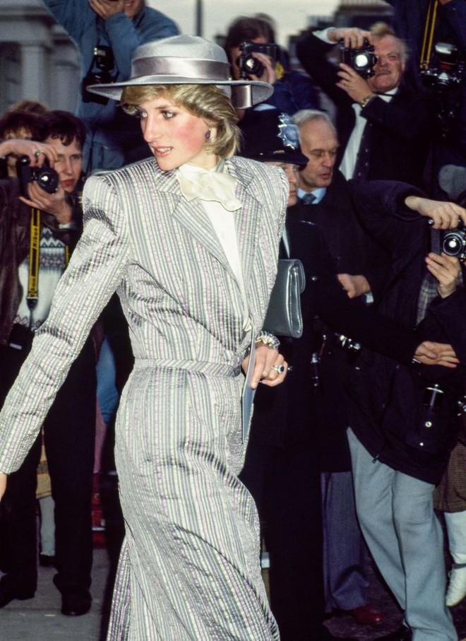 Quy tắc đội mũ tại đám cưới Hoàng gia đã được công nương Diana tuân thủ tinh tế như thế nào? - Ảnh 7.