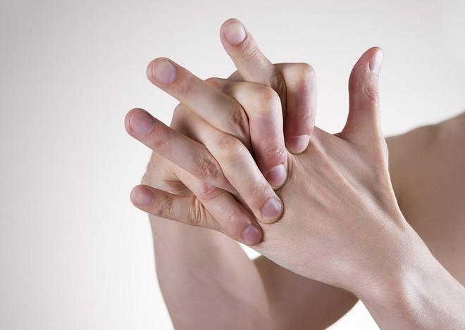7 dấu hiệu cảnh báo bệnh ung thư phổi sớm bạn không nên xem thường - Ảnh 4.