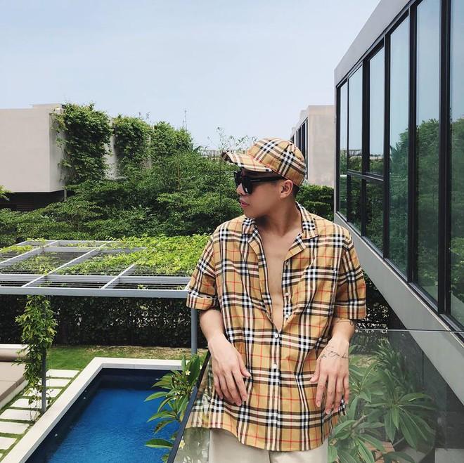 Thân nhau như hội Kỳ Duyên, Hoàng Ku, Jolie Nguyễn: nam nữ mặc chung đồ, phong cách thì hệt nhau - Ảnh 1.