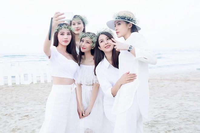 Thân nhau như hội Kỳ Duyên, Hoàng Ku, Jolie Nguyễn: nam nữ mặc chung đồ, phong cách thì hệt nhau - Ảnh 9.